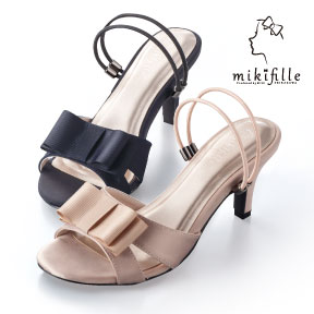 写真:mikifille 白川みきの美脚おリボンサンダル